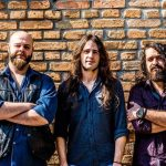 "Stringbreaker & The Stuffbreakers apresenta novo álbum ""Brick in a Tie""!"